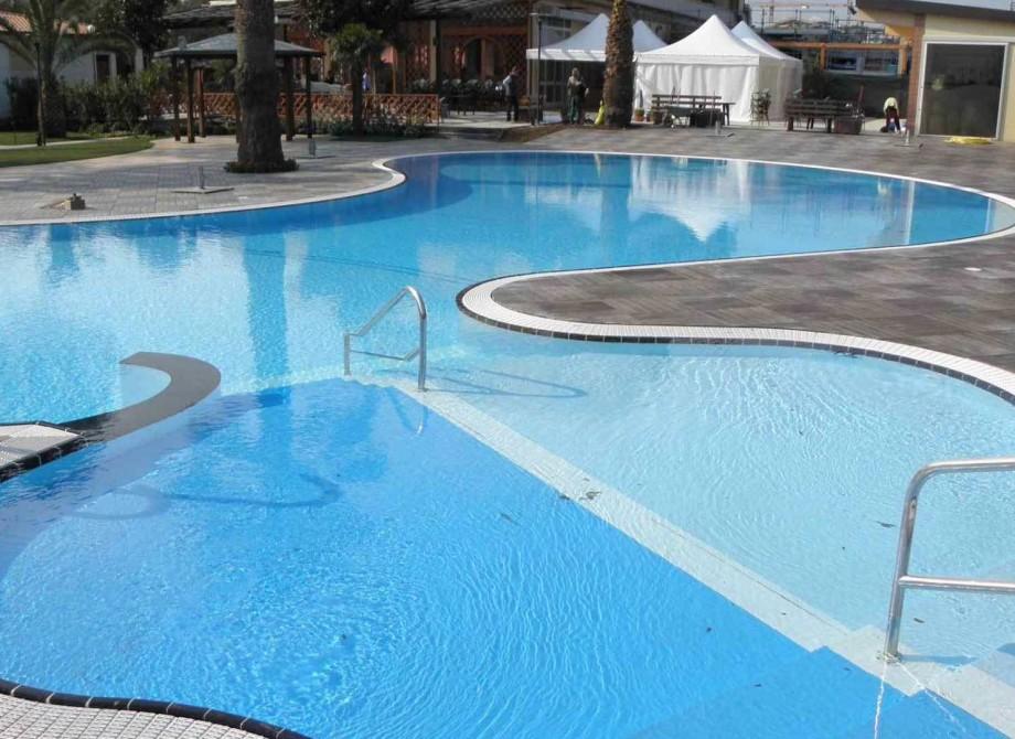 Pool på ett Spa med Pronto Klinkerdäck®